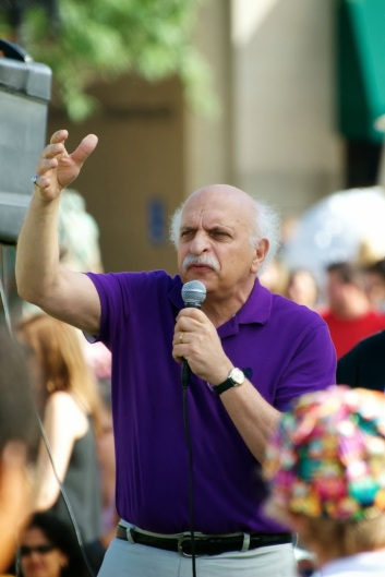 Sept. 21, 2013 — George Capaccio of Arlington, Mass, speaks at International Day of Peace gathering at the Boston Common on Saturday afternoon. Photo by Lisa Dukart.